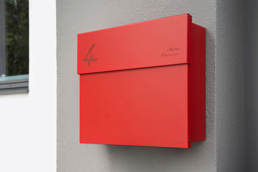 L-09-L-10_Gravur_Hausnummer_Name_Briefkasten_Outdoor