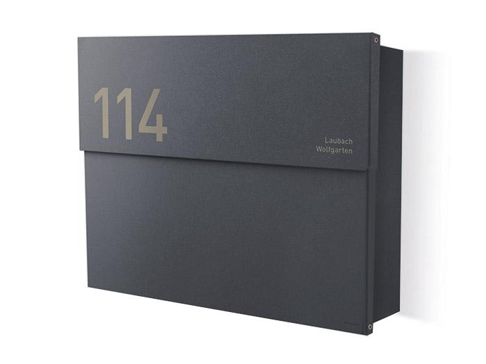 Letterman-XXL-2-Anthrazit-Briefkasten-Gravur-Custom-Products